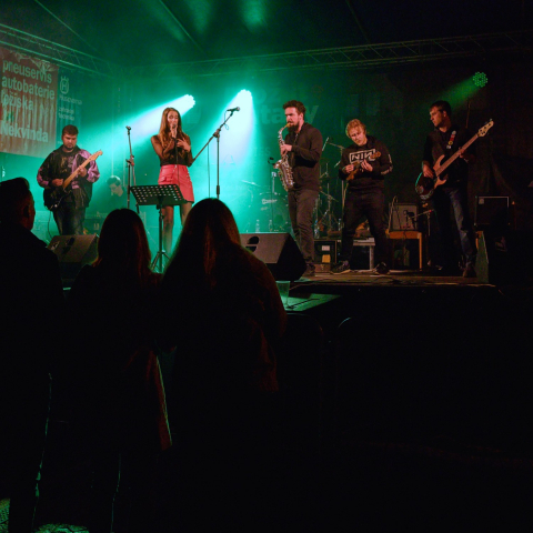 Dozing Brothers / On-line koncert z Fabriky